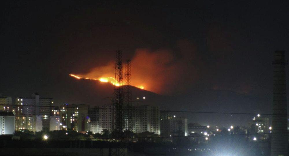 Пожар в горах к юго-западу от Бишкека