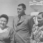 Опера ырчысы Сайра Кийизбаева, Иса Ахунбаев жубайы Бибихан менен, 1960-жылдар
