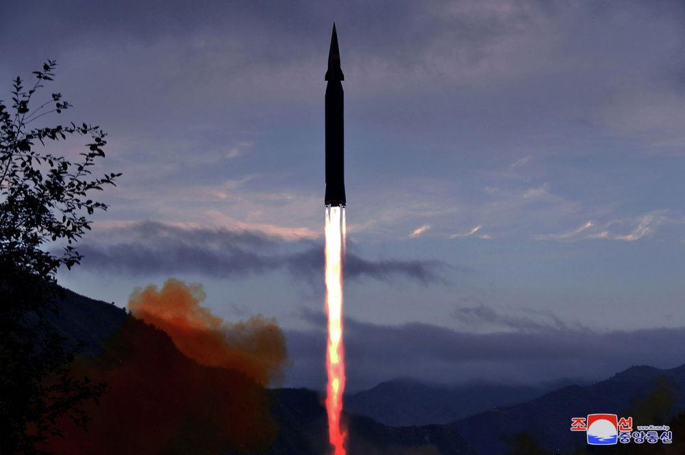 Түндүк Кореянын гиперүндүү Хвасон-8 ракетасын сыноо болду. Пхеньян өлкөнүн коргонуу системасында анын стратегиялык баалуулугун белгилеген.