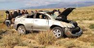 Ысык-Көлдө кырсыкка түшкөн Lexus RX 300 унаасы