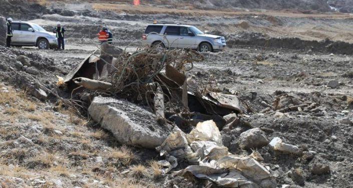 На руднике Кумтор выявлены факты незаконной захоронений токсичных отходов