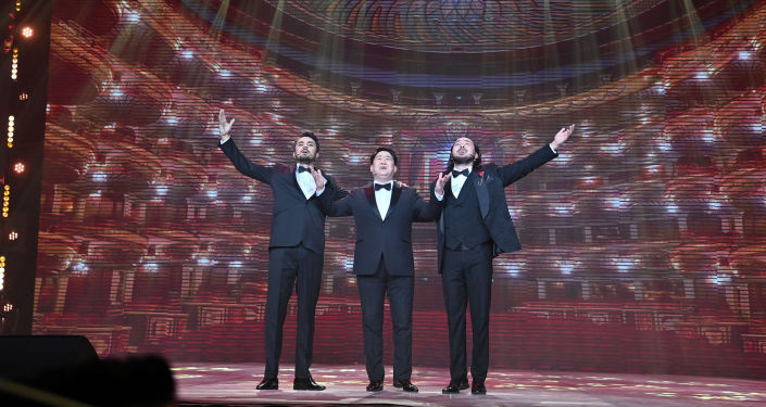 Казахские исполнители во время выступления на гала-концерте, посвященный официальному открытию Дней культуры Казахстана в Кыргызстане. 07 октября 2021 года