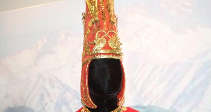Экспонаты выставки, посвященной дням культуры Казахстана в Кыргызстане, в музее изобразительных искусств в Бишкеке. 08 октября 2021 года
