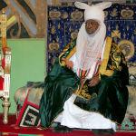 Британский принц Чарльз слушает эмира Адо Байеро в Кано (Нигерия)