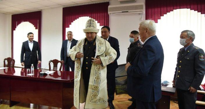 Церемония проводов ушедшего в отставку первого заместителя министра внутренних дел Суйуна Омурзакова
