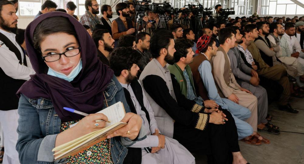Афган журналисти Талибан менен болгон пресс -конференцияда