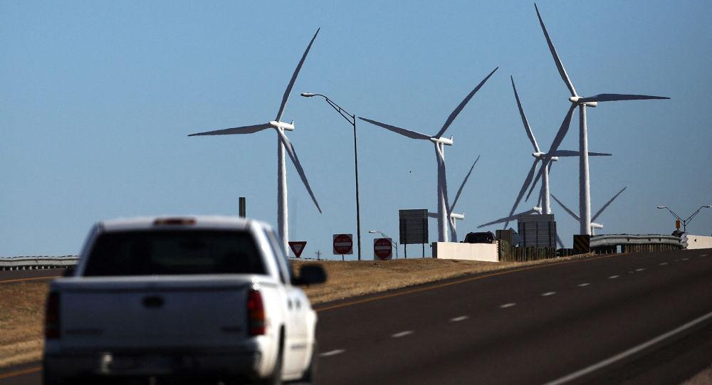 Ветряная электростанции в городе Колорадо, штат Техас. Архивное фото