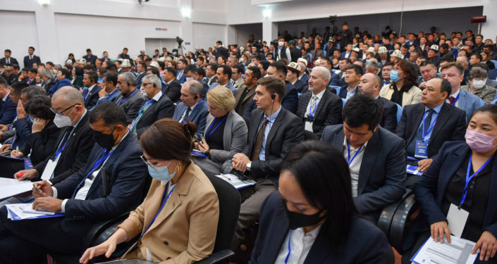 Участники инвестиционного форума Развитие Баткена – развитие страны в Баткенской области