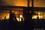 Пожар на рынке Келечек в Оше