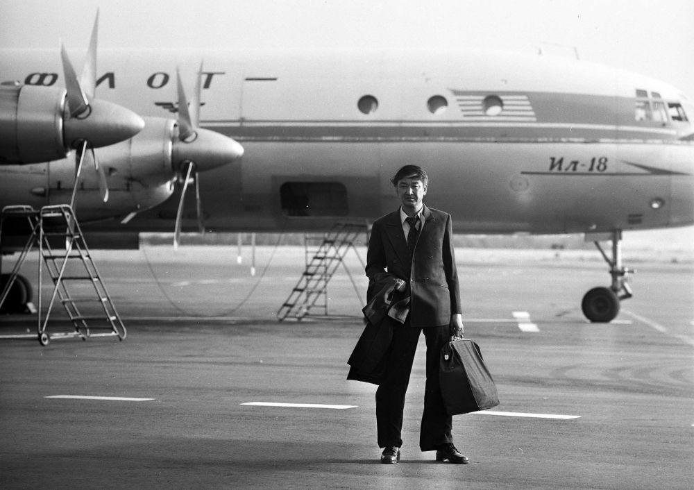 Болот Бейшеналиев Москвада жашап-иштеген Эркиндин образында