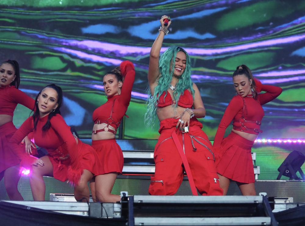 Колумбийская певица Кароль Джи выступает в музыкальном фестивале Austin City Limits в Остине, штат Техас. США