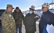 Председатель Кабинета министров Акылбек Жапаров в рамках рабочей поездки в Нарынскую область на КПП Торугарт – Автодорожный