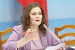 Депутат Жогорку Кенеша Наталья Никитенко во время заседания. Архивное фото