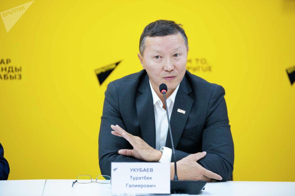 Председатель правления Ассоциации развития агропромышленного комплекса (АР АПК) Туратбек Укубаев на брифинге в мультимедийном пресс-центре Sputnik Кыргызстан