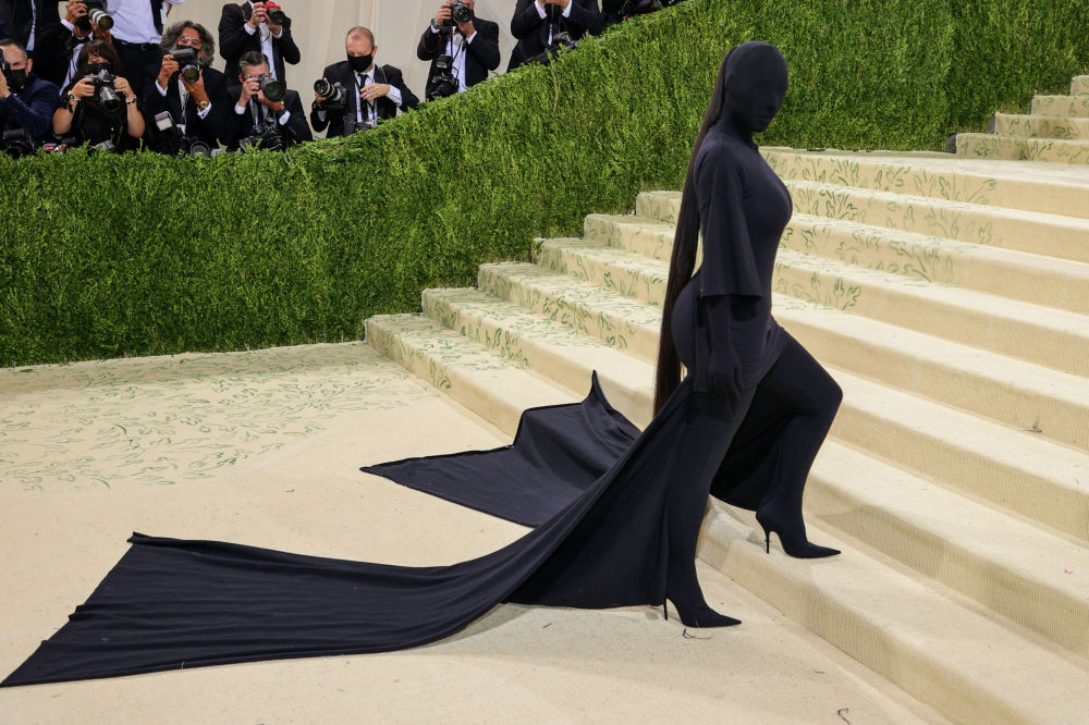 Американская модель, актриса Ким Кардашьян на Met Gala 2021 в Метрополитен-музее в Нью-Йорке. 13 сентября 2021 года