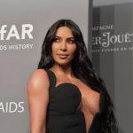 Американская модель, актриса Ким Кардашьян на вечере amfAR в Нью-Йорке. 6 февраля 2019 года