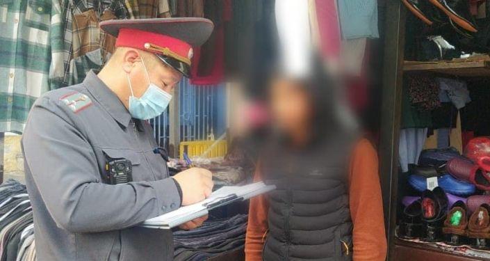 Милиция проводит профилактическое мероприятие Антирэкет среди несовершеннолетних бишкекчан