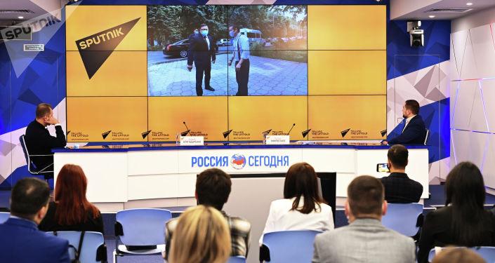 В стенах Международного информационного агентства и радио Sputnik в Москве стартовала очная сессия просветительского проекта SputnikPro для молодых журналистов из стран СНГ