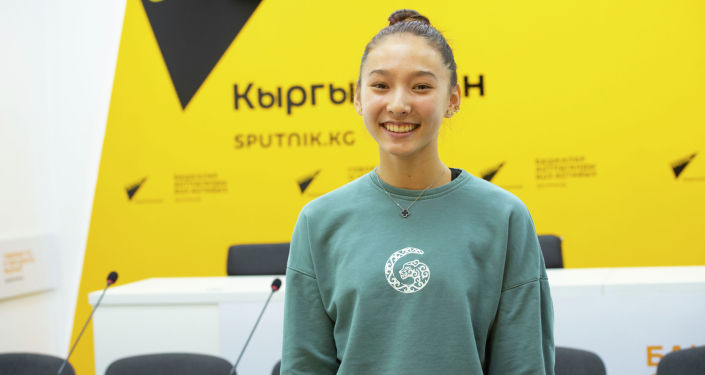 Чемпионка мира по воздушной акробатике Гульбара Болотова в офисе Sputnik Кыргызстан