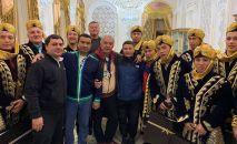 Кыргызстанские борцы в гостях у одного из богатейших узбекистанцев