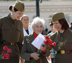 Поздравление ветерана. Архивное фото