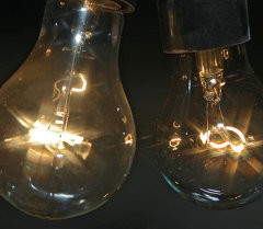 Лампочки накаливания. Архивное фото