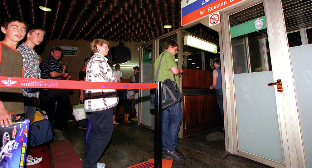 Паспортный контроль в аэропорту Шереметьево-2