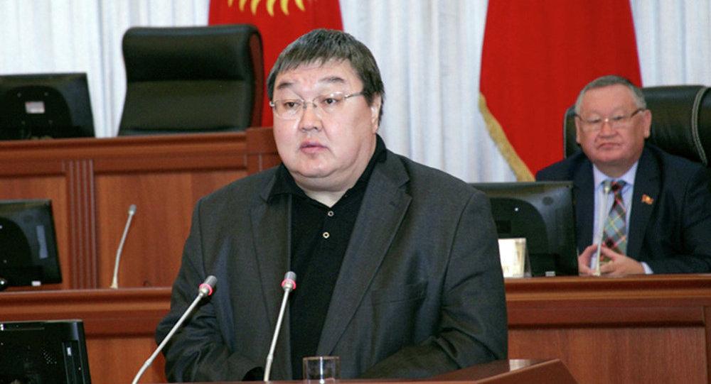Зайнидин Курманов
