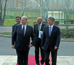 Президент Алмазбек Атамбаев принял Принца Карима Ага Хана IV