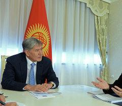 Алмазбек Атамбаев принял помощника Генсекв ООН Айше Джихан Султаноглу