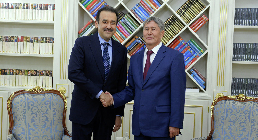 Президент КР встретился с премьер-министром Казахстана.