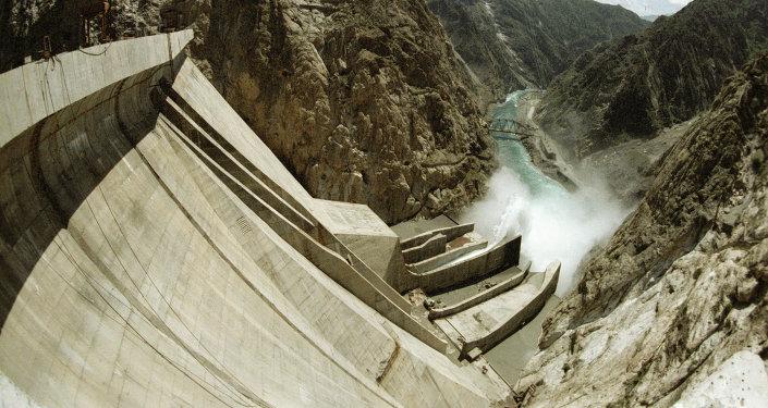 Плотина Токтогульской ГЭС. Архивное фото