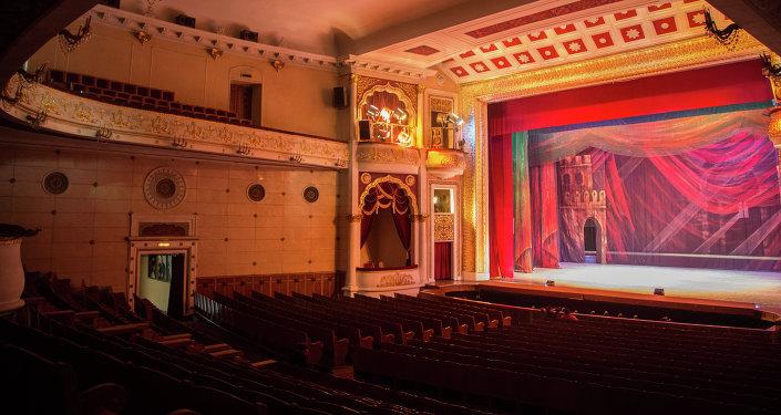 Театр оперы и балета. Архивное фото