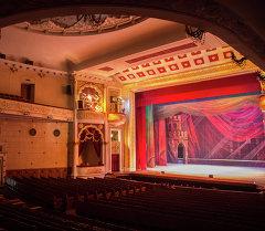 Кыргыз опера жана балет театры имараты. Архивдик сүрөтү