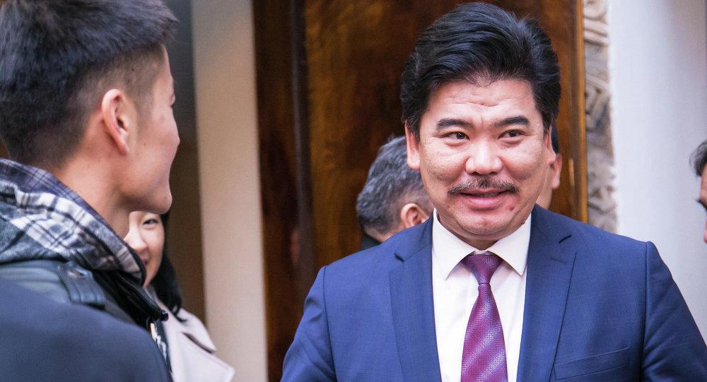 Министр культуры А.Максутов