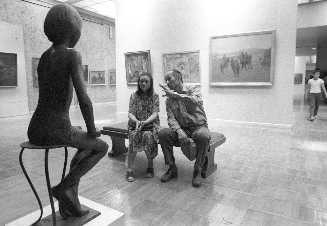 Народный артист СССР Суйменкул Чокморов с супругой Сулеймой