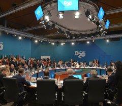 В.Путин принимает участие в саммите Группы двадцати