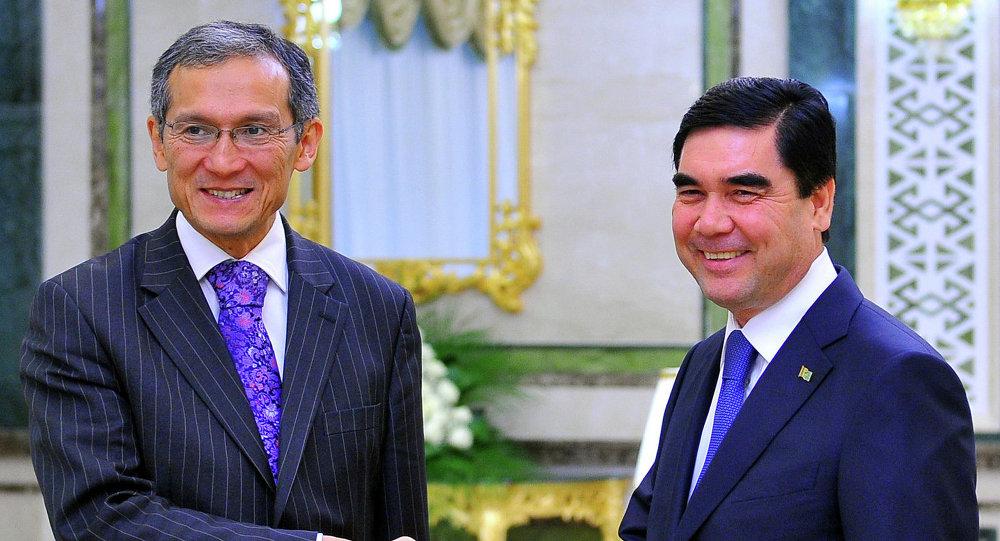 Президент Туркмениcтана Гурбангулы Бердымухамедов и премьер-министр Кыргызстана Джоомарт Оторбаев обсудили состояние и перспективы двустороннего сотрудничества.
