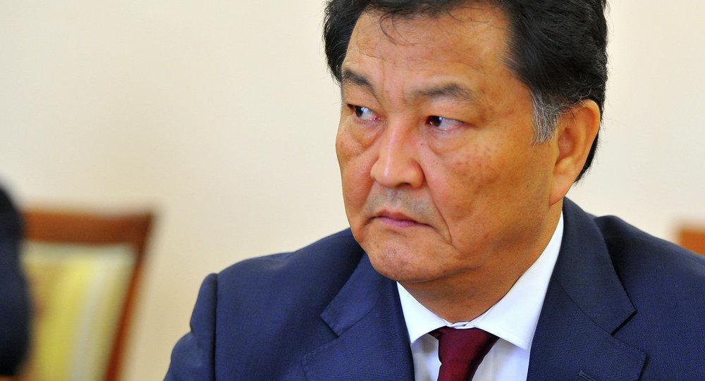 Премьер-министр Джоомарт Оторбаев принял нового министра здравоохранения Талантбека Батыралиева