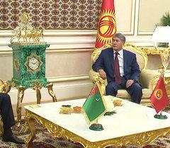 Атамбаев и Бердымухамедов встретились в узком кругу
