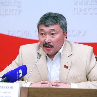 Депутат ЖК КР Карганбек Самаков в пресс-зале ЖК. Архивное фото