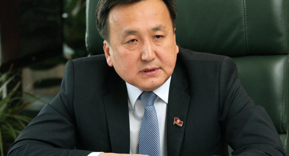 Спикер парламента Асылбек Жээнбеков
