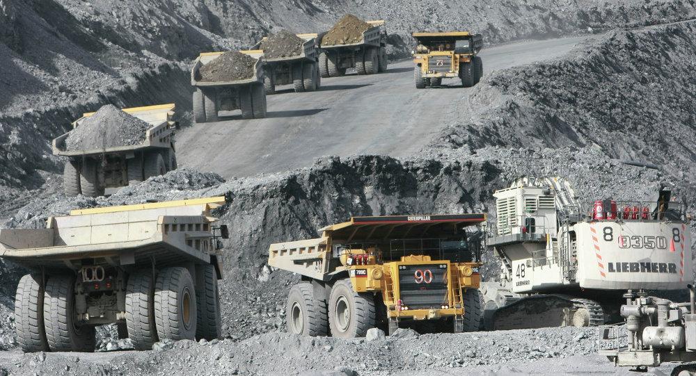 Золотоносный рудник Кумтор в Киргизии