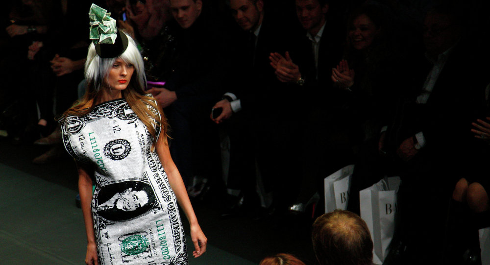 Показ новой коллекции французского модельера Жана-Шарля де Кастельбажака в рамках Russian Fashion Week