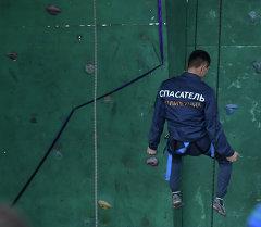 В Бишкеке проходит чемпионат ЦА по спортивному скалолазанию