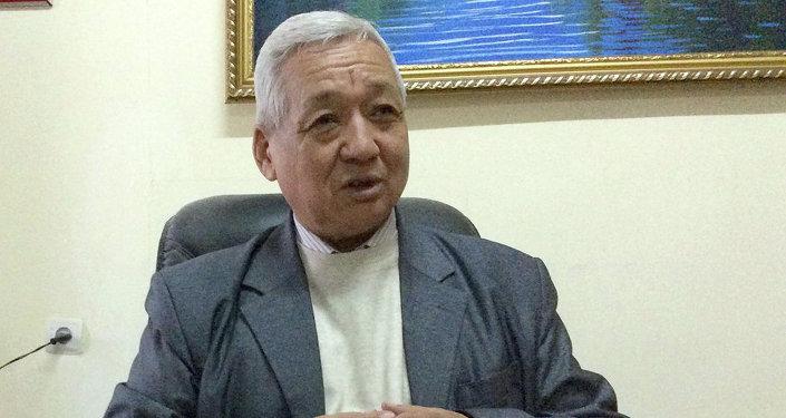 Заместитель председателя Союза писателей Кыргызской Республики Тынчтыкбек Нурманбетов