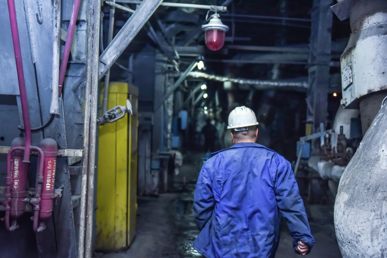 Работа начинается с обхода всех печей и реакторов.