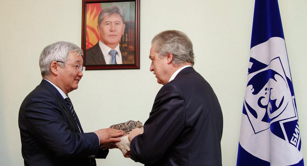 Мэр столицы Кубанычбек Кулматов принял делегацию из Санкт-Петербурга