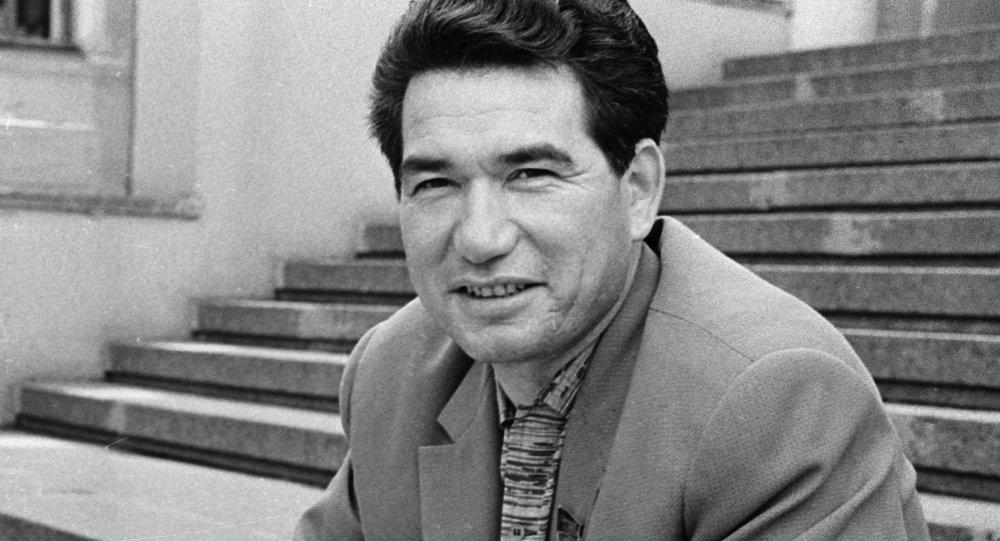 Писатель Чингиз Айтматов