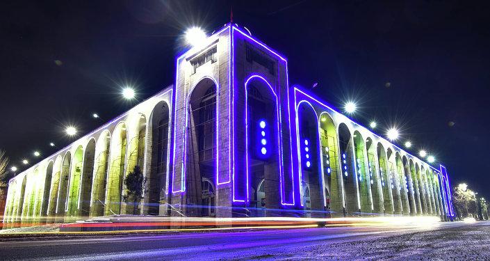 Площадь Ала-Тоо в ночь нового года. Архивное фото